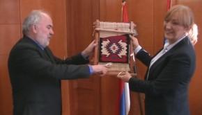 Verica Kalanovic - urucenje priznanja Evrokorak